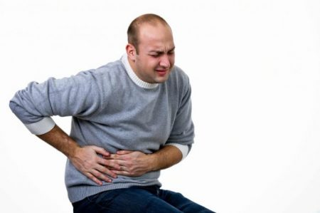 сильная боль в печени